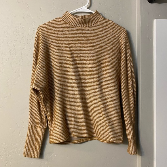 Urban outfitters long sleeve textured top